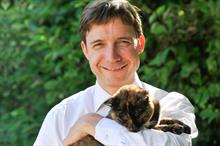 Chief executive of Cats Protection to step down