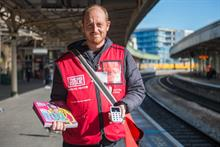 Big Issue vendors to accept contactless payments