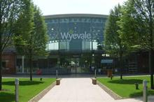 How has latest Wyevale Garden Centres sales led to a shake up among sector leaders?