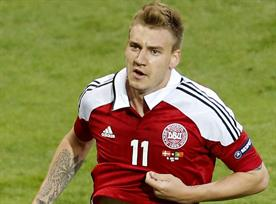 Nicklas Bendtner: Paddy Power to pay player's fine for underwear stunt