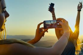Samsung to take 'Hypercube' selfie experience to UK festivals