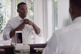 Apple: Jamie Foxx demos Siri's new features