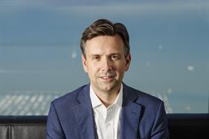 Josh Earnest has United Airlines back on solid ground