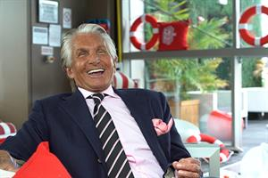 Video: KFC's 'Extra Crispy Colonel' George Hamilton on the time he met the real Colonel Sanders