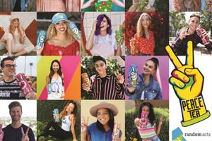 Influencer team performs random acts of kindness for Peace Tea