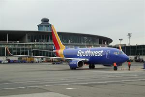Breakfast Briefing: Southwest Airlines apologizes for spate of cancellations