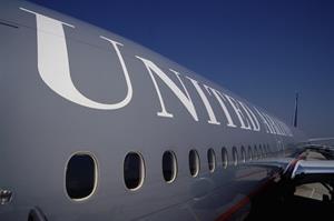 United Airlines pushes back against complaints about pilot diversity push