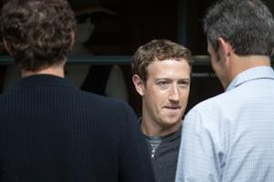 PR pros: Mr. Zuckerberg, it's time to go to Washington (and Brussels)