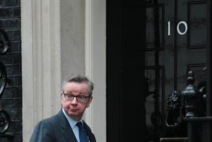 Gove pledges at least £100m extra per week for NHS by 2020