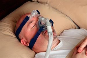 Sleep apnea raises pneumonia risk, study finds