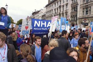 20,000 join protest over junior doctor contracts: how Twitter reacted