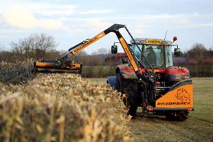 Hedgecutters - Tractor-mounted cutting