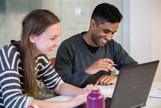 Gradunique: Developing high-performing graduates for leadership roles