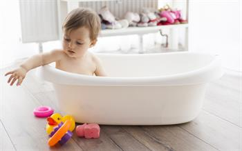 Emollient bath additives 'no benefit' in childhood eczema