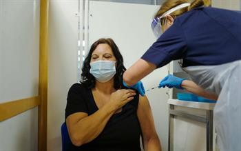 GPs told to observe patients given COVID-19 vaccine for 15 minutes