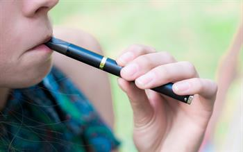 E-cigarettes should be prescribed to cut smoking-related deaths, say MPs