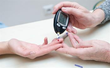 Monitor blood glucose in patients on long-term PPIs, say researchers