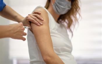 Offer COVID-19 vaccination to pregnant women, advises JCVI