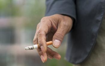 Help cancer patients live longer by offering smoking cessation support, GPs urged