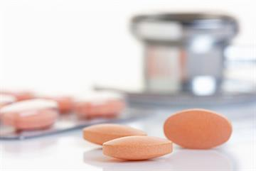 Half of patients on statins miss cholesterol level targets, study finds