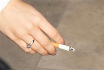 Workload and funding cuts leave GPs struggling to offer stop smoking services