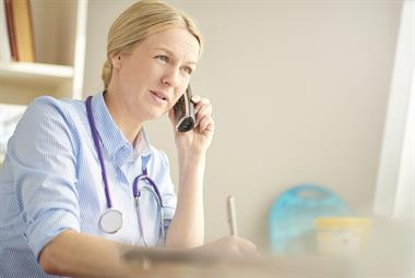 与去年相比,在2021年的前三周,全科医生咨询增加了40万人次
