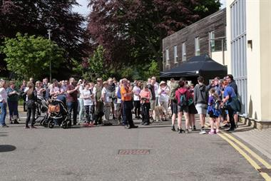 Hundreds of patients join walk to support GP with rare cancer
