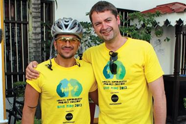 Peter Andre cycles with GP fundraiser