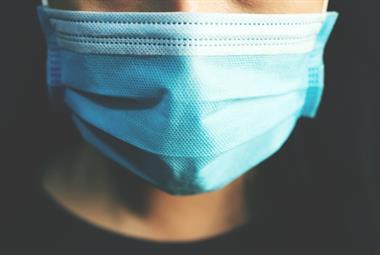 医生警告说,由于政府将放宽限制,不要终止所有COVID规则