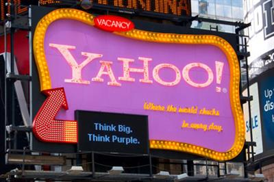 Yahoo!'s renegade board member cuts stake