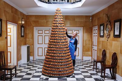 Aunt Bessie's erects 25-tier Yorkshire Pudding cake