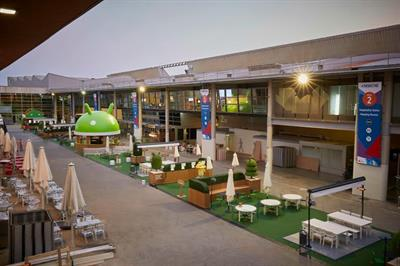 Brandfuel creates outdoor garden for Android at MWC 2016