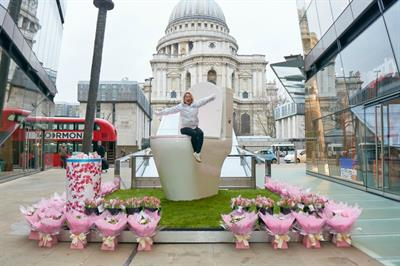 In pictures: Bloo's giant toilet lands in St Paul's for Blue Monday