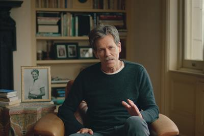 Kevin Bacon gives unlimited data to housebound pupils in EE campaign