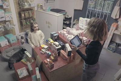Visa gives back to the high street once more in Christmas spot