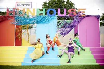 Hunter creates 'Hunhouse' at Mighty Hoopla