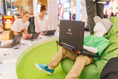 Acer lands 'fashtech' experience at Westfield
