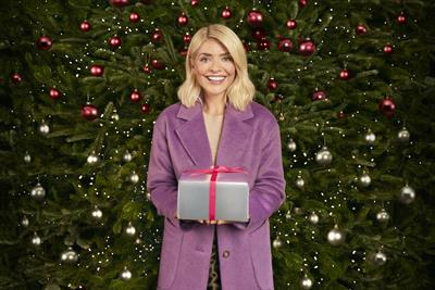 Holly Willoughby returns for M&S clothing Christmas campaign