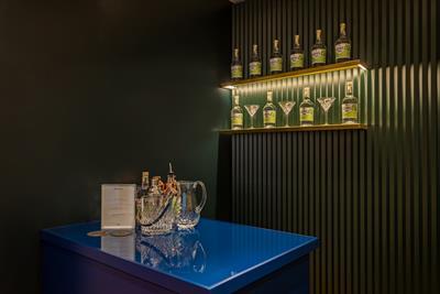 Mulberry creates pop-up gin bar