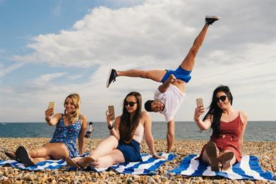 O2's GuyFi service descends on Britain's beaches