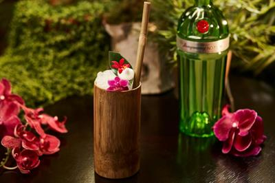 Tanqueray creates 'hanging gardens' in London's West End