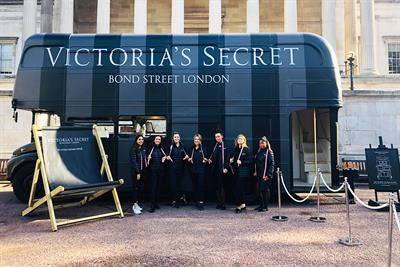Victoria's Secret takes bra-fitting service on tour