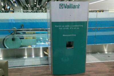 Vaillant celebrates Warmth Week with smile vending machine