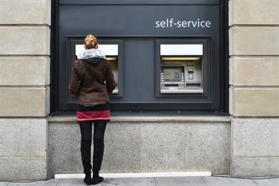 HSBC and Halifax lead high-street online fightback, but specialists still dominate