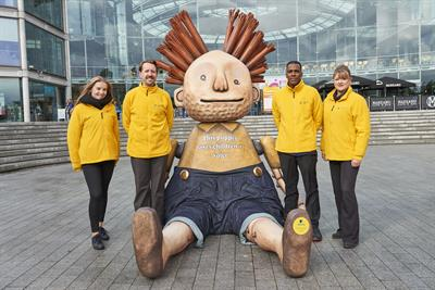 Aviva creates large sculptures to promote community fund