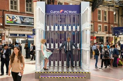 Currys PC World installs giant fan at London Victoria