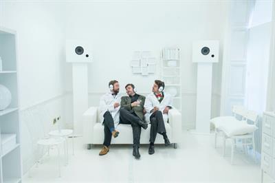 In pictures: Hendrick's activates at Edinburgh Fringe ahead of digital debut