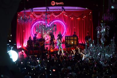 Spotify hosts intimate Kylie Minogue gig