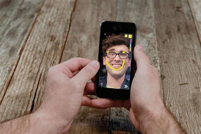 Snapchat daily active users down 2 million but revenue growth remains strong