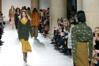 Topshop creates market-style fashion experience